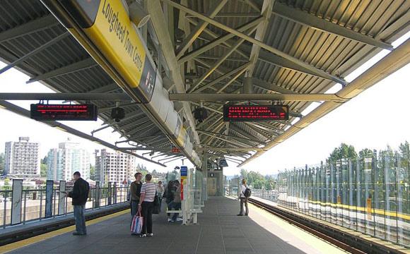 Lougheed-stn-platform